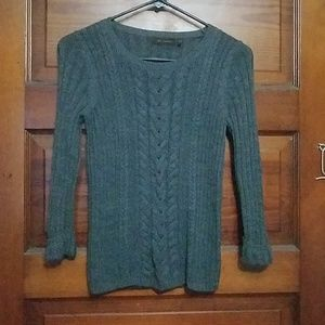 Gray quarter length sweater